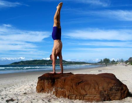 Matthew_handstand